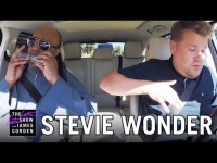 Новости - Stevie Wonder Carpool Karaoke видео